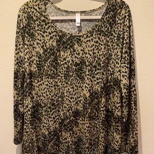 LuLaRoe XL Lynnae Long Sleeve Shirt